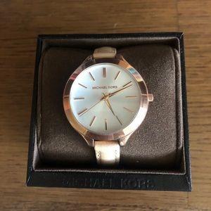 Michael Kors Slim Runway MK2284 Rose Gold Watch
